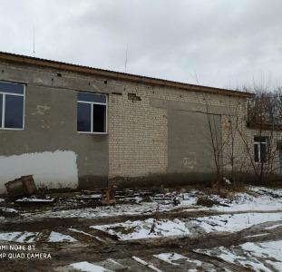 Отдельно стоящие здания, с собственной ТП на 250 Квт, торг. с.Любарци