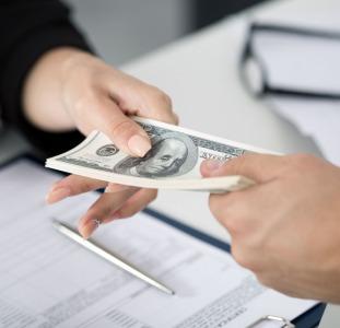 Выгодный кредит наличными под залог недвижимости Киев