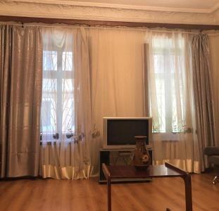 Продам 2-к квартиру в Центре, улица Софиевская - 67 кв м