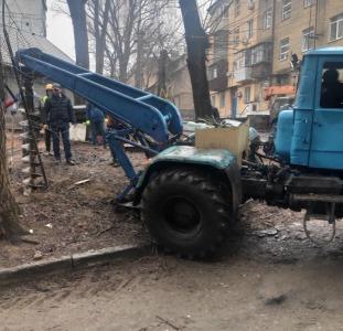 Услуги ямобура, Ямобур, Столбостав, Бурение приямков, Монтаж СИП