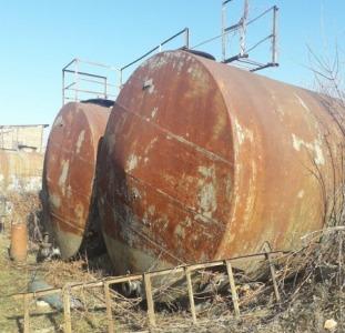 Металеві ємності, резервуари, бочки