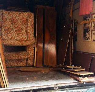 Вывоз старой мебели. Утилизация хлама в Харькове