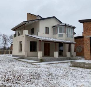 Продам коттедж в Харькове, м. Индустриальная