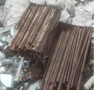Продам металлические трубы бу
