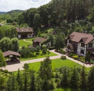 Продаю своё имение на 2 га земли. Верхний Салтов