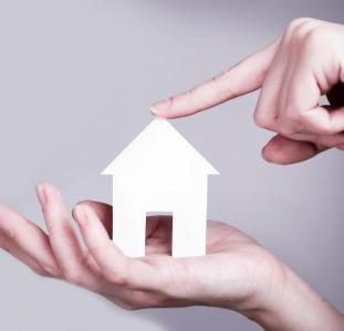 Кредит под залог квартиры без привязки к валюте от 1,5% в месяц.