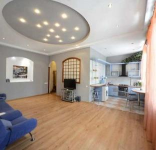 Шикарна комфортна квартира подобово в центрі Києва