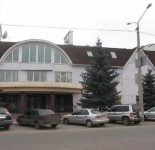 Продам магазин-салон на красной линии