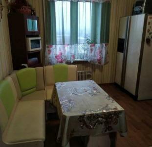 Продам 3-х комнатную квартиру на Батицкого