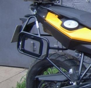 Багажные системы, дуги безопасности, боковые рамки для мотоциклов.
