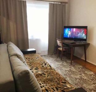 Продам 1-но комнатную из. квартиру, ул. Роганская