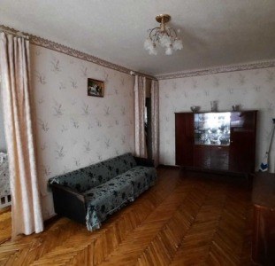 Дешевле не найдете. Продам 3-х комнатную квартиру.