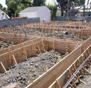 Стяжка, ленточный фундамент, бетонные и монолитные работы под ключ