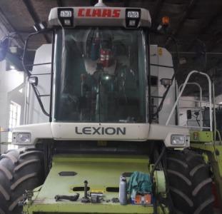 Сельхоз. техника Комбайн Claas Lexion 480 вып. 2001г.в.  жатка 7.5m Vario. ,