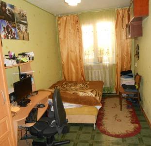 Продам 2-комнатную 1/5, ул.Космонавтов