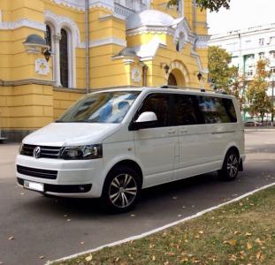 Микроавтобус 7 мест на заказ по Киеву, Украине
