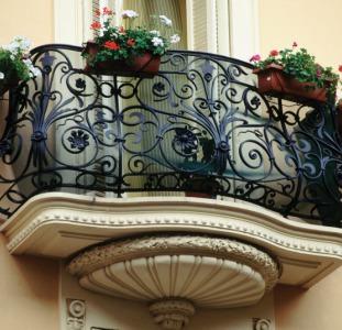 Кованые решетки Киев, кованые заборы, кованые балконы Киев, лестничные перила, козырьки и навесы